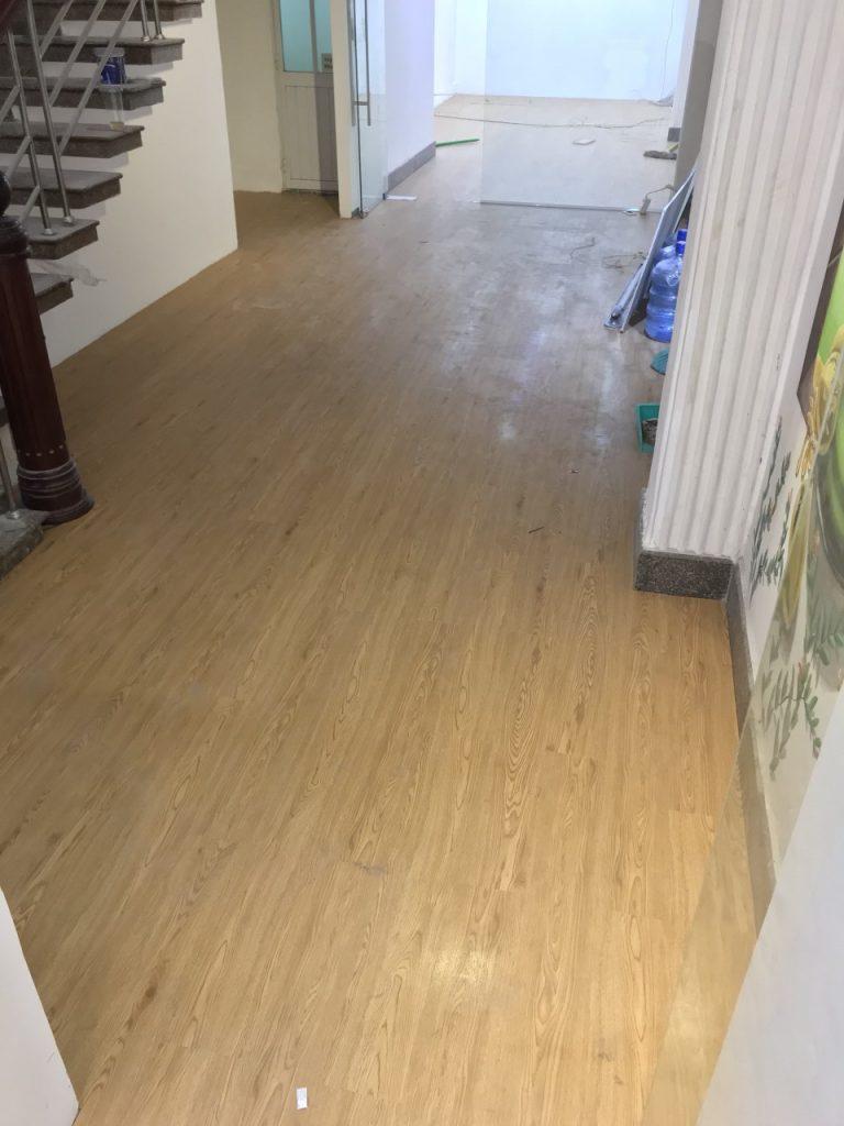 Mua sàn nhựa vân gỗ tại TP HCM